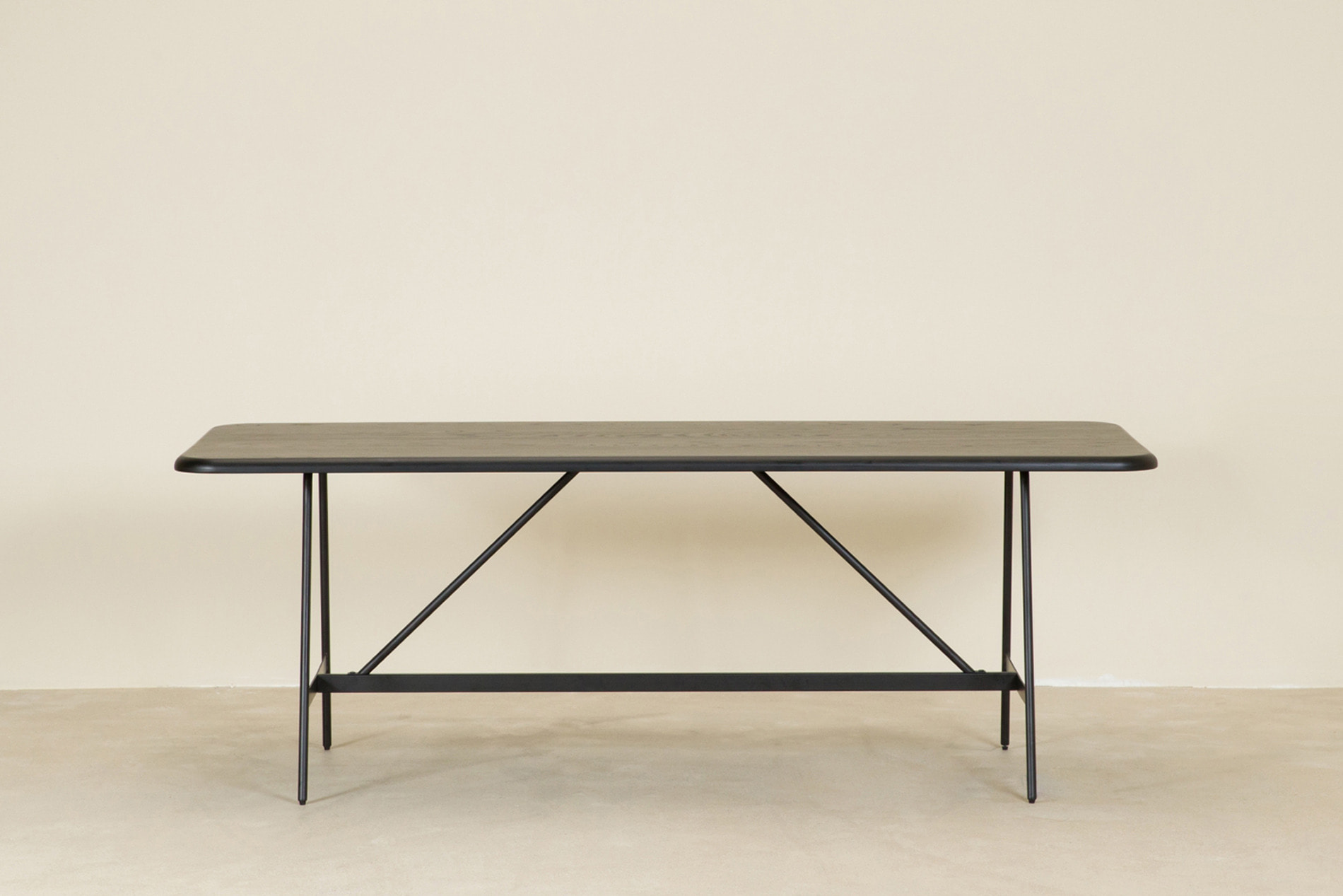 BEER table, black